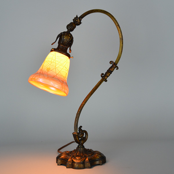 Art Deco Desk Lamp cir. 1920 Art Glass Threaded Overlay Shade