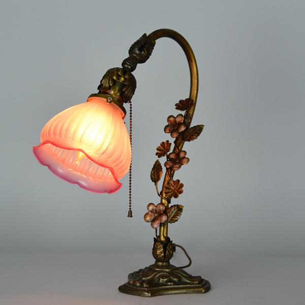 floral 1890 desk lamp